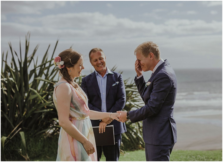 Castaways Resort Auckland wedding LN_0011.jpg