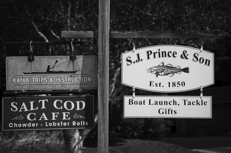 Sign boards, Bayley Island