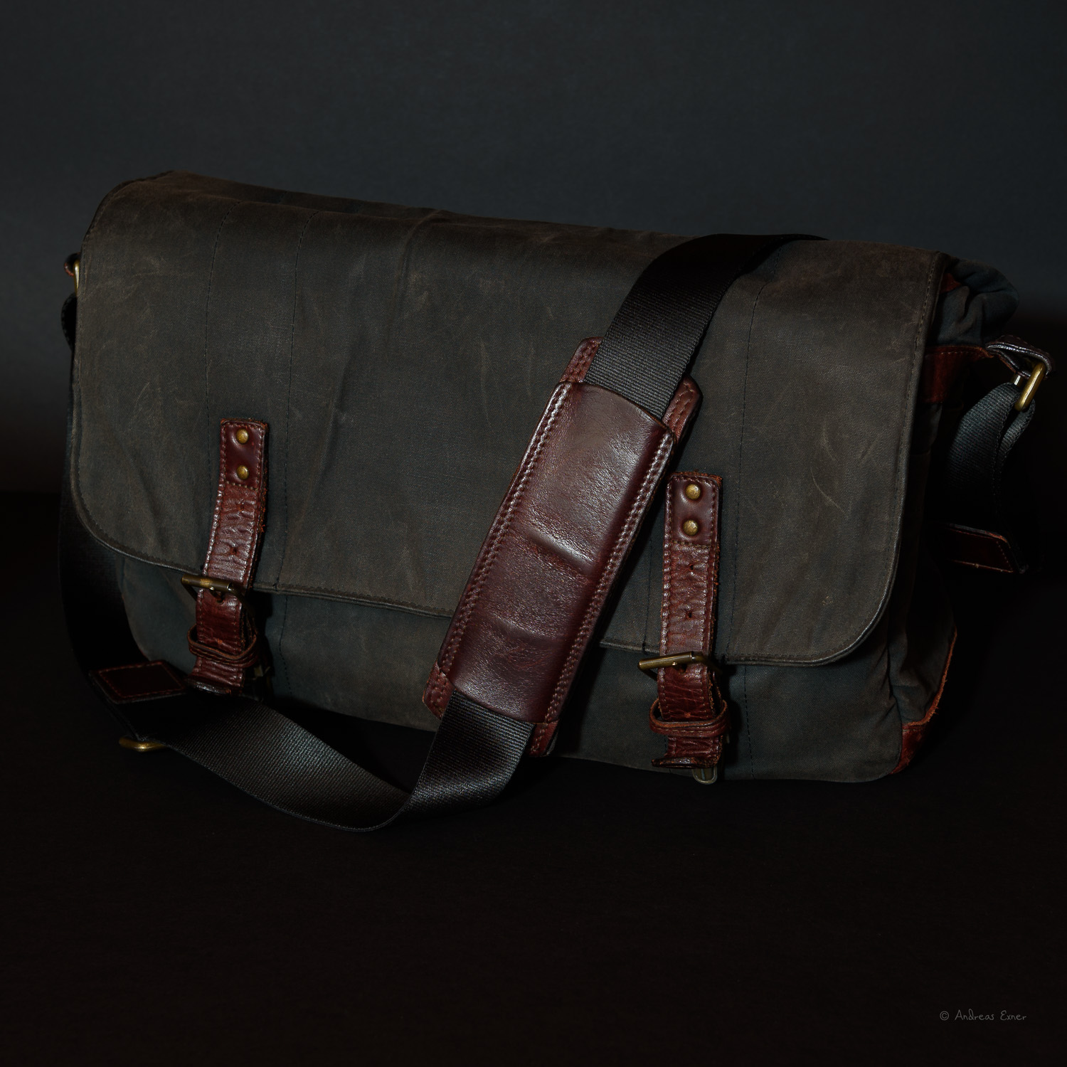 """ONA messenger-style shoulder bag THE UNION STREET  This cool shoulder bag looks rotten and elegant at the same time. It doesn't necessarily call """"steal me"""" because it is made out of waxed canvas and doesn't look at all like a photo bag full of expensive gear. The design and quality of this photo bag is outstanding. The gear is well protected against bumps, weather, and dirt and is lined on the inside with protective padding. It fits my life style and photography habits perfectly.  ★ ★ ★ ★ ★"""
