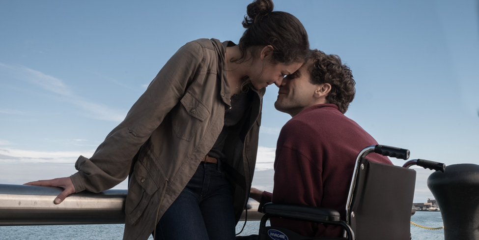 Tatiana Maslany and Jake Gyllenhaal in Stronger.