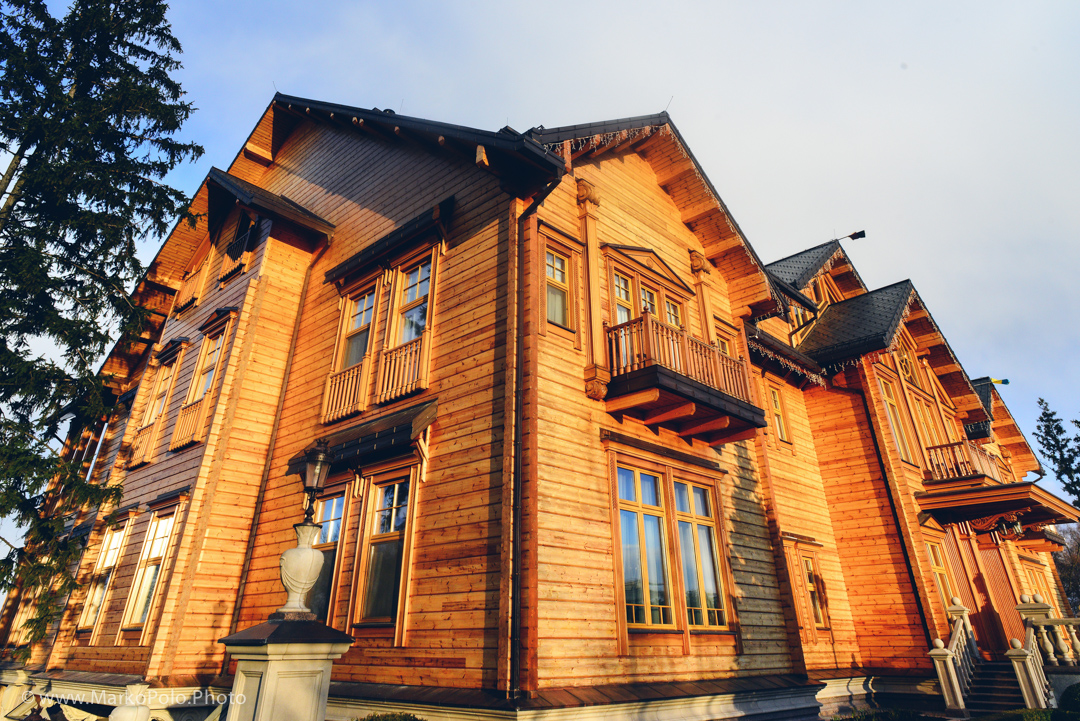 The main house is built by a Honka, a Finish and world's largest log cabin builder.  It was Honka's largest project