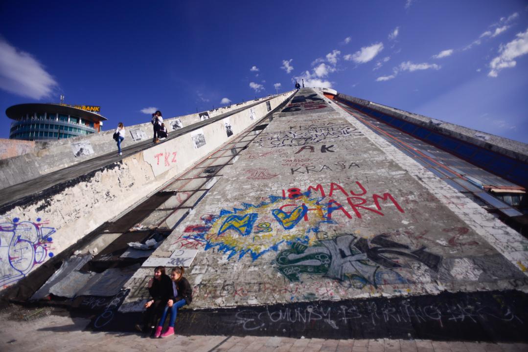 Albania (2) - Xhosa's pyramid in Tirana