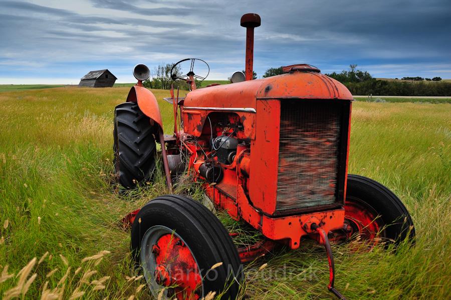 Canada - live - Tractor on a Saskatchewan farm