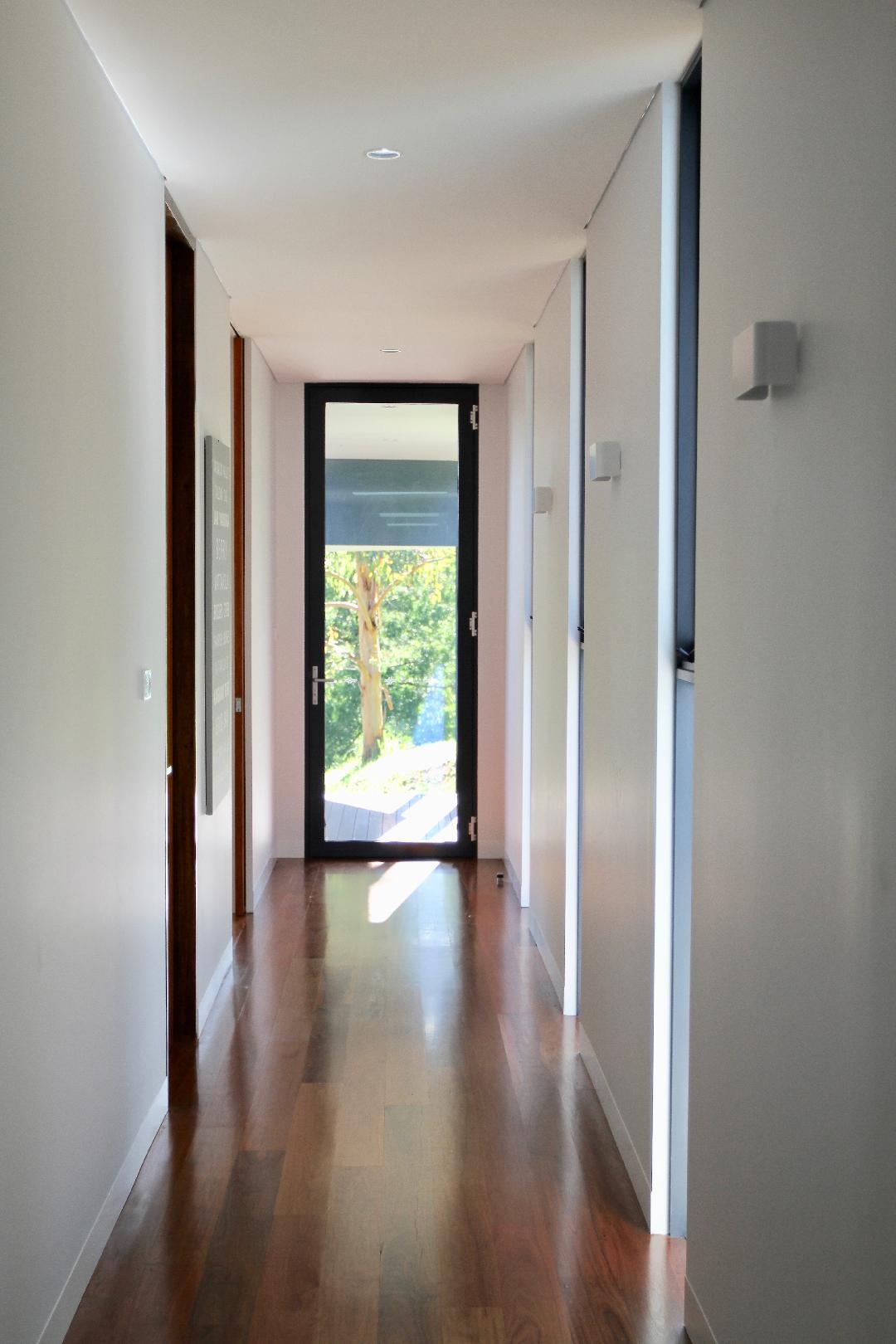 Hallway Omaroo-KV