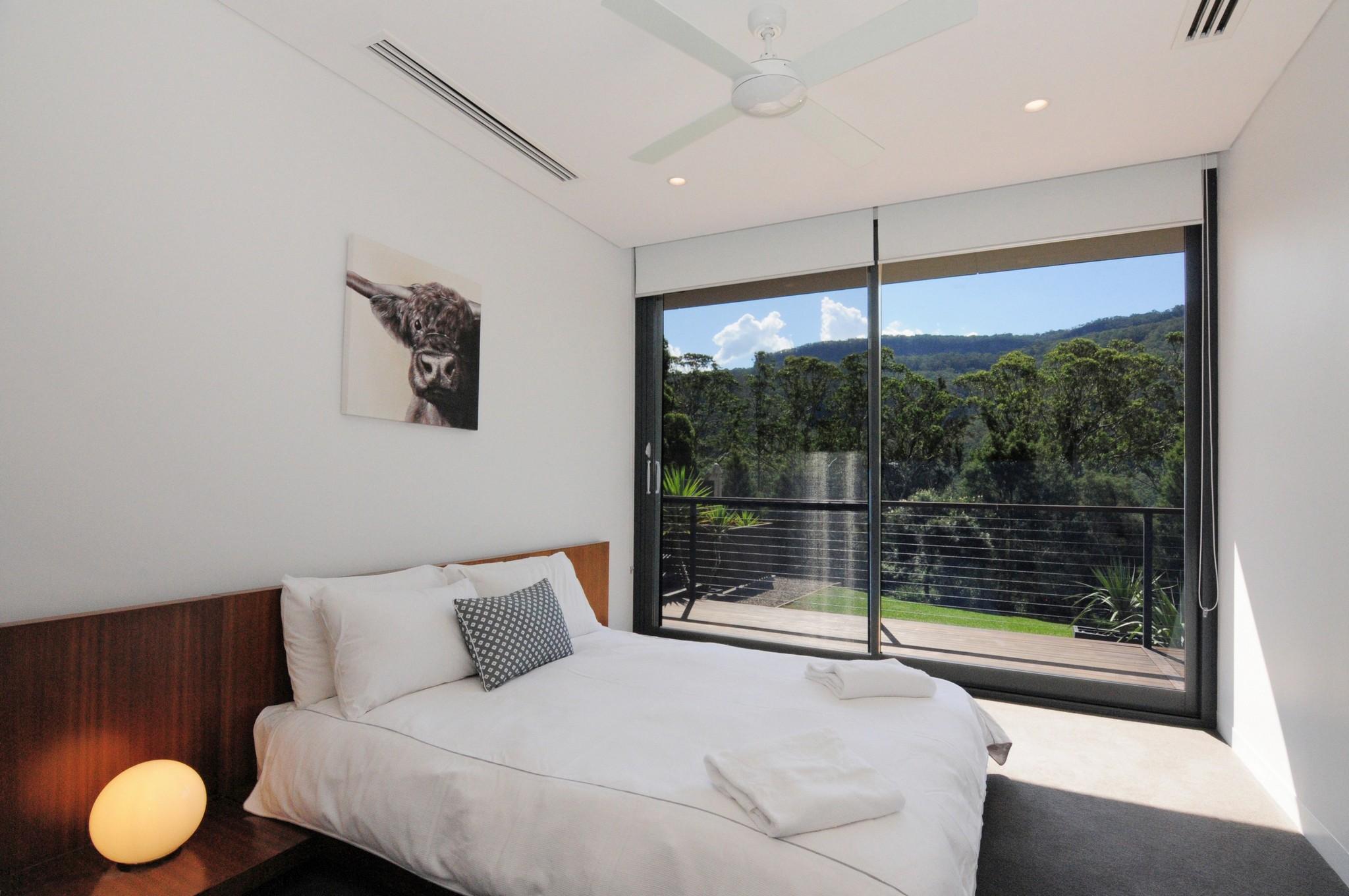Guest Bedroom 2 Omaroo-KV