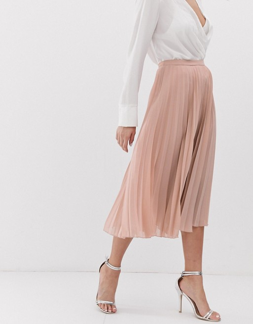 ASOS DESIGN Petite Pleated Midi Skirt - $45.00Blush/pinky-nude tones are my favorite for accessories, clothing, makeup, you name it. I highly recommend you snag this skirt if you're as into that color palette as I am. I have a Reformation dress in this color so I probably don't neeeed this skirt but I'm definitely itching to add it to my wardrobe.