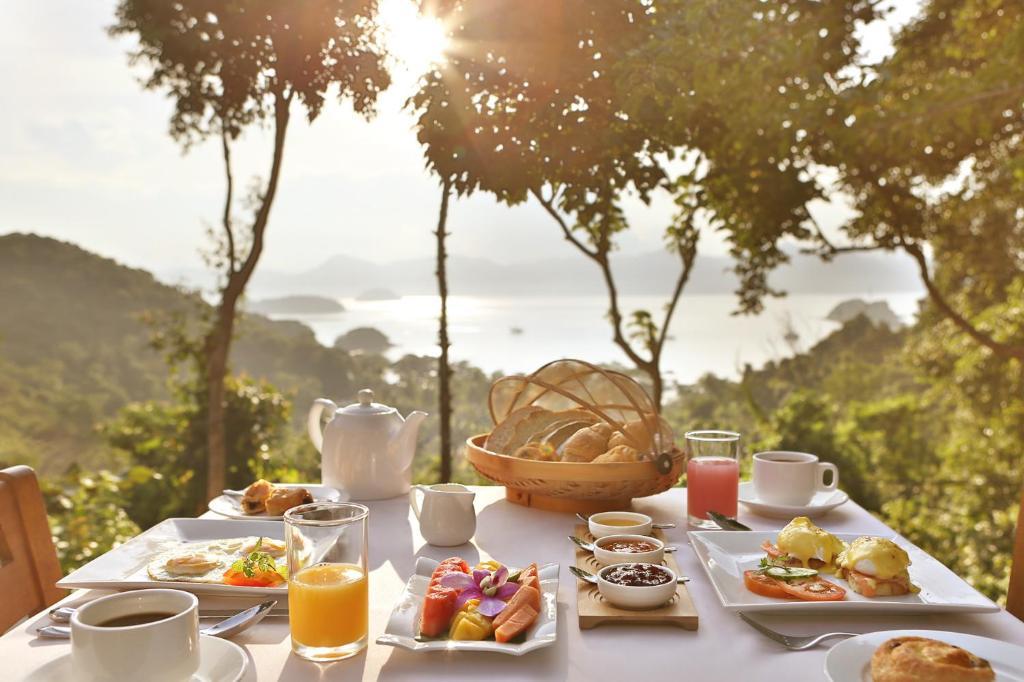 ontbijt ambong lankgawi.jpg