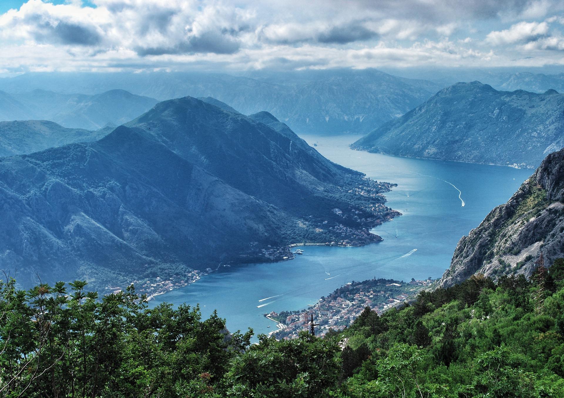 montenegro nature-3232601_1920.jpg
