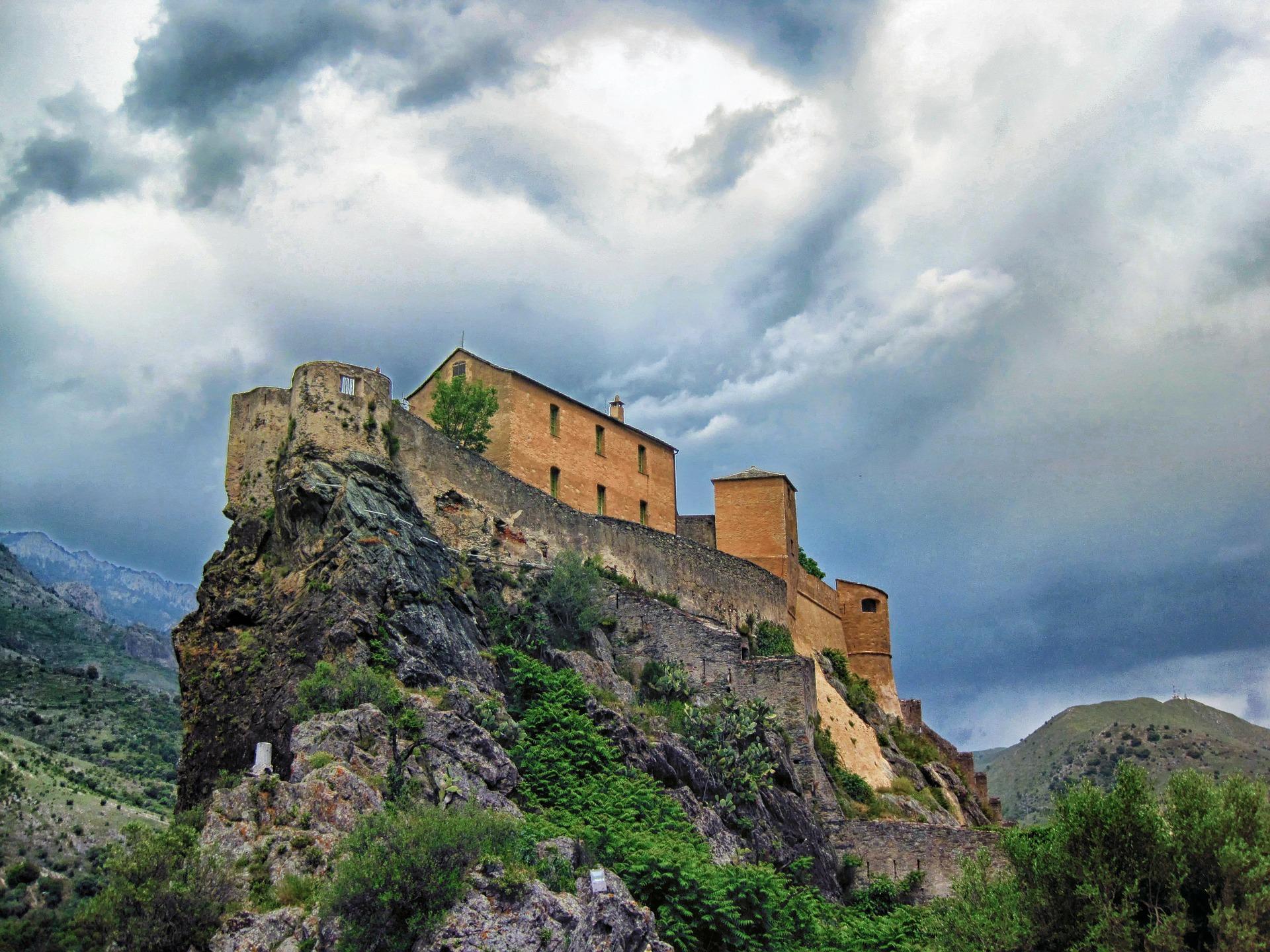corsica citadelle-de-corte-164823_1920.jpg