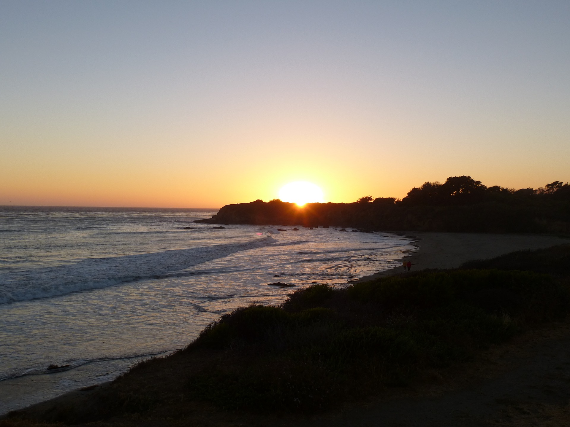 sunset-1248359_1920.jpg
