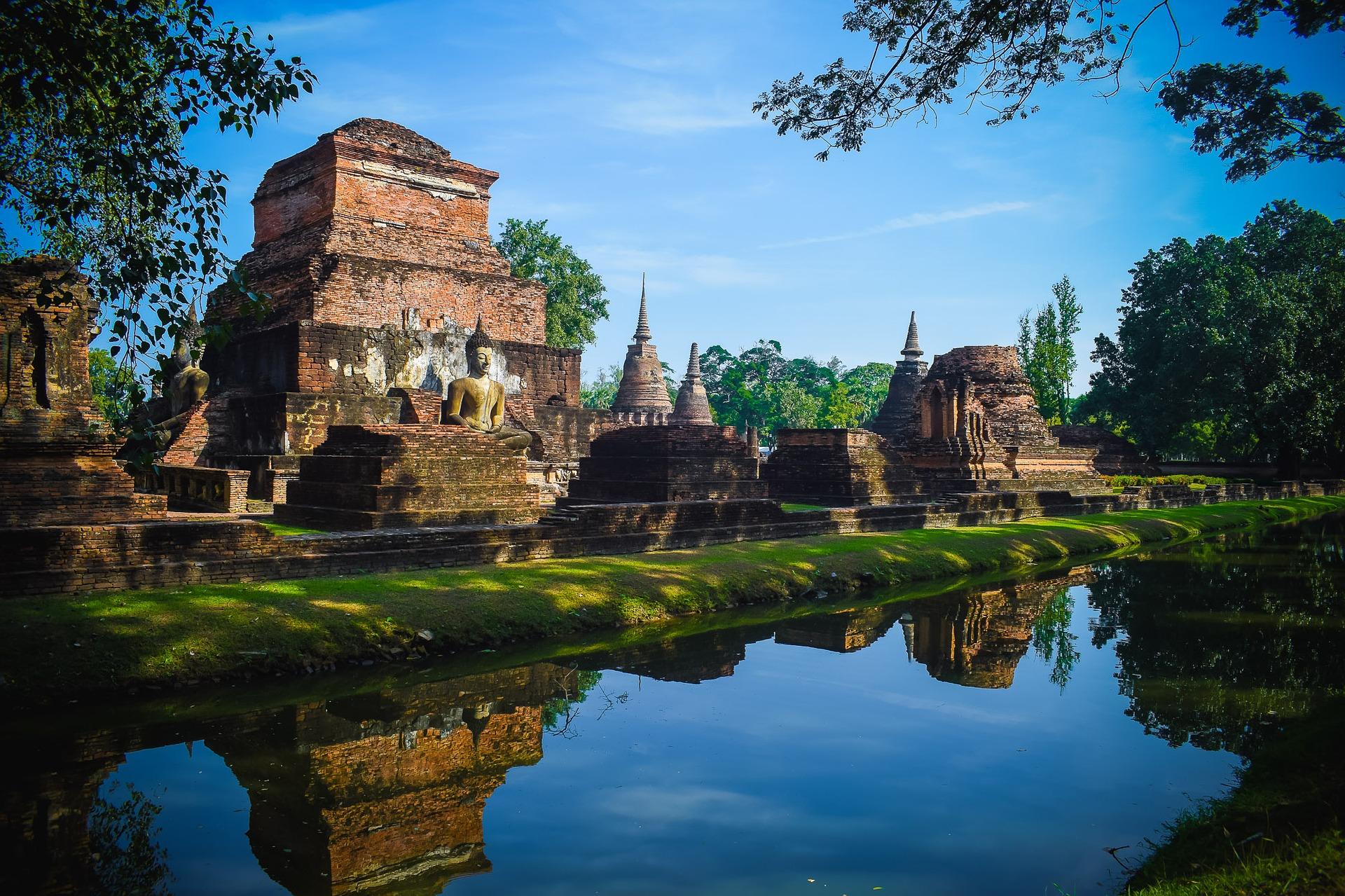 sukhothai-historical-park-1924568_1920.jpg