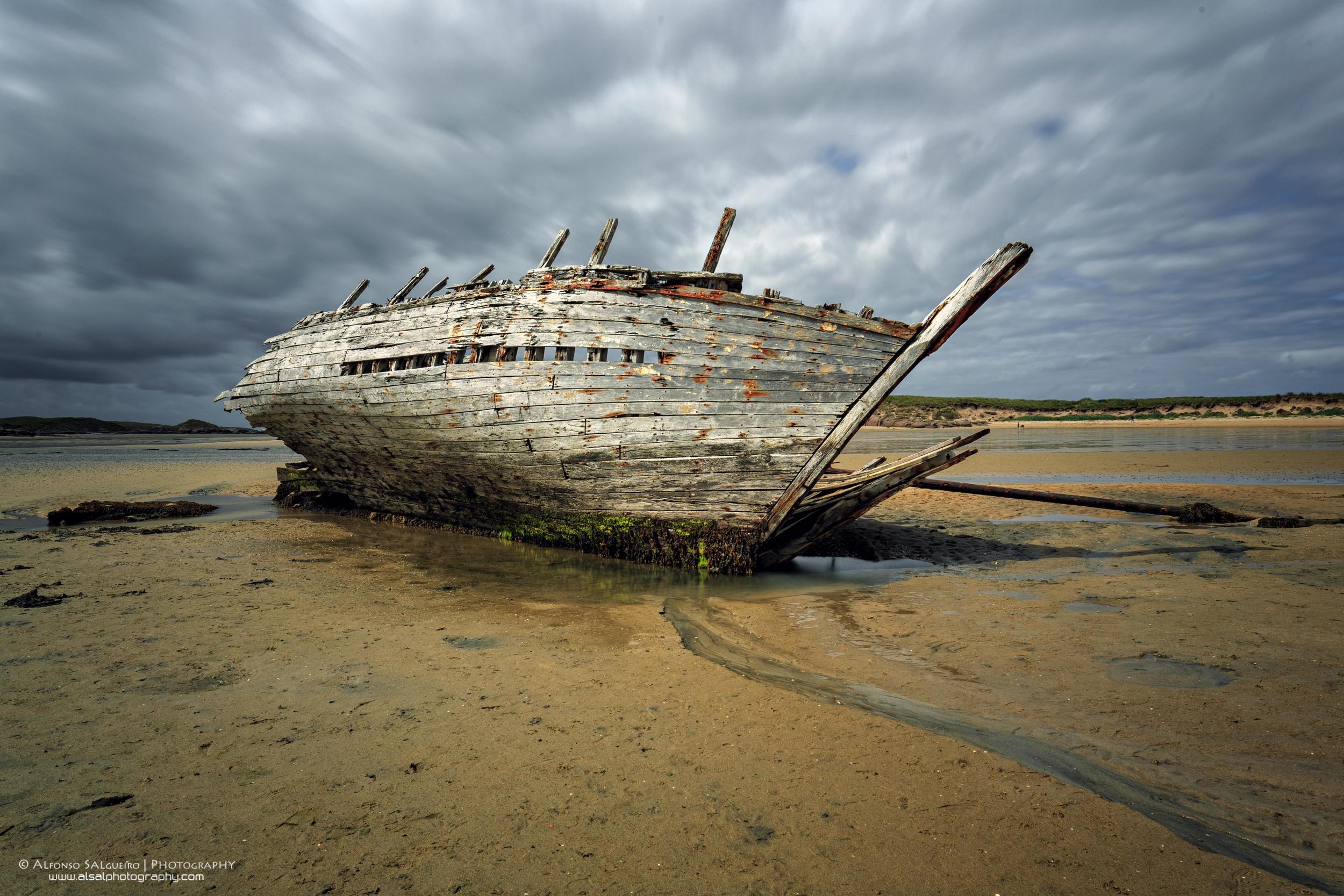 Bunbeg shipwreck.jpg