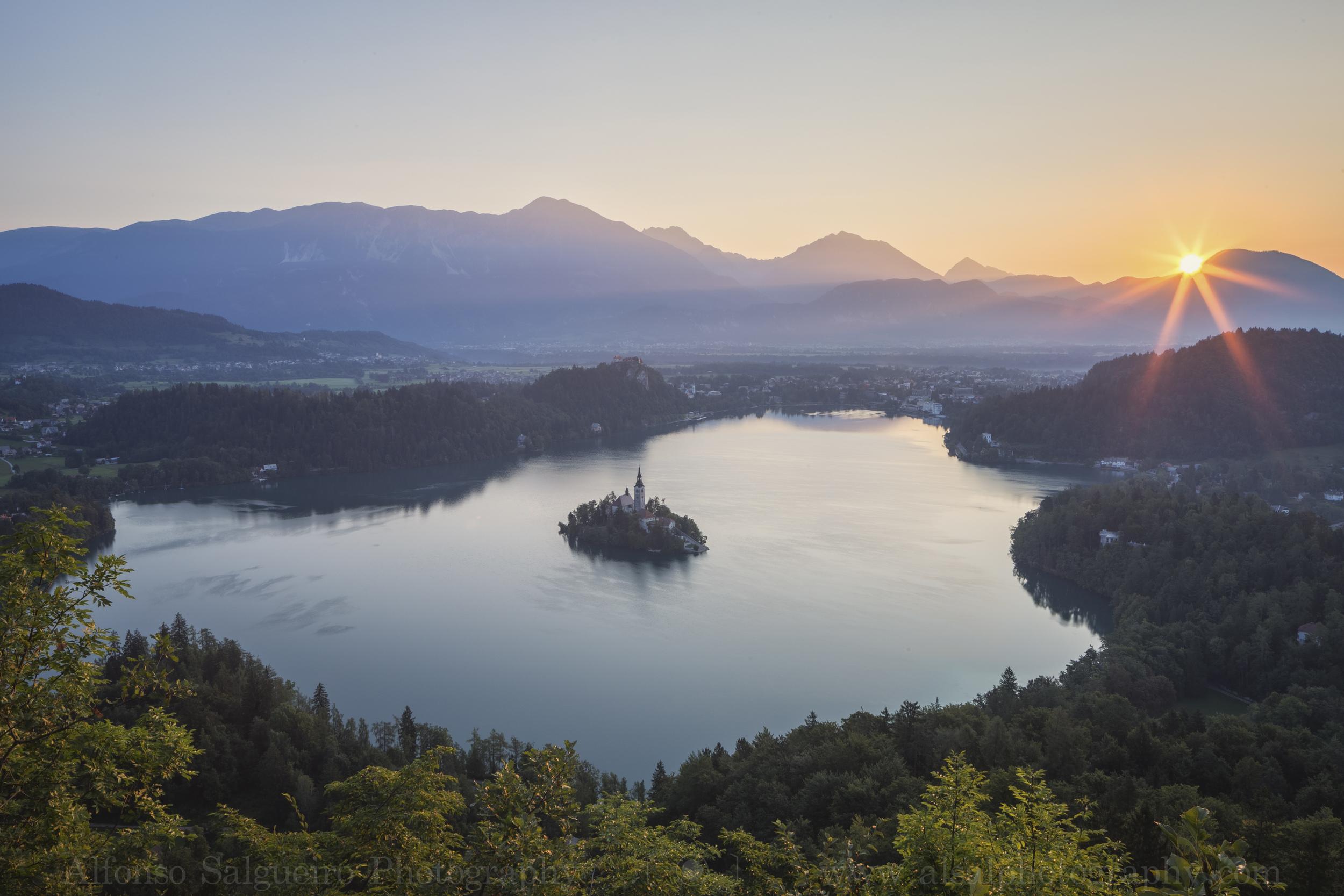 Lake Bled sunrise.jpg