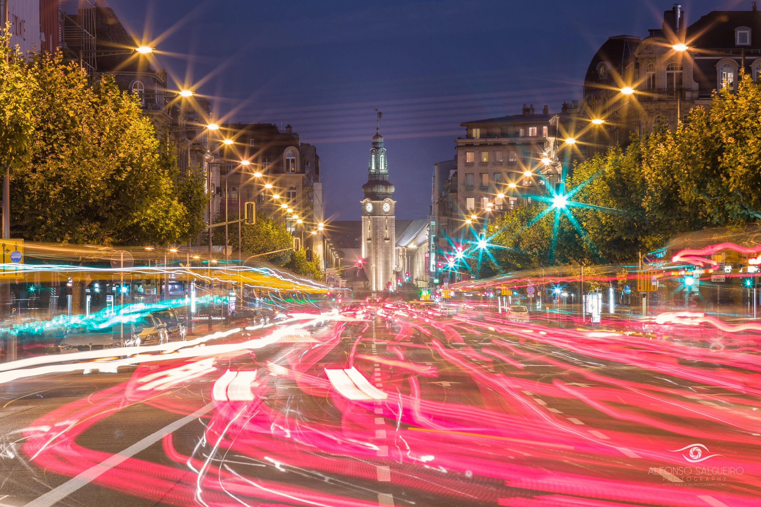 Avenue de la Liberté at night.jpg