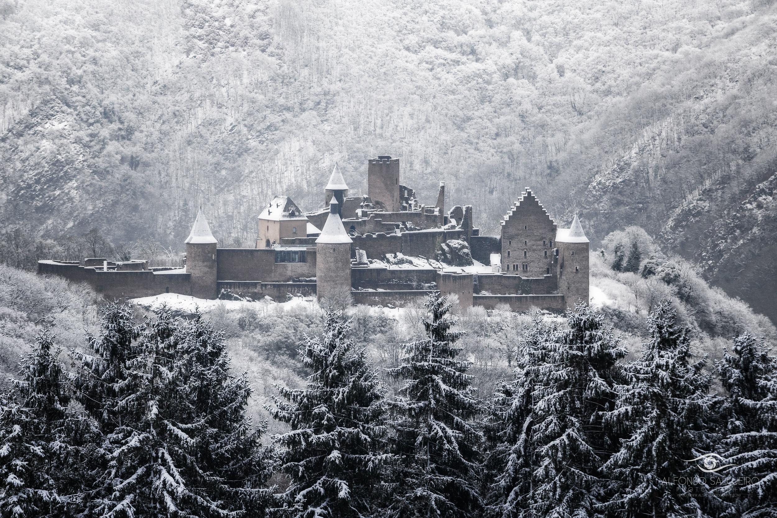 Bourscheid castle winter.jpg