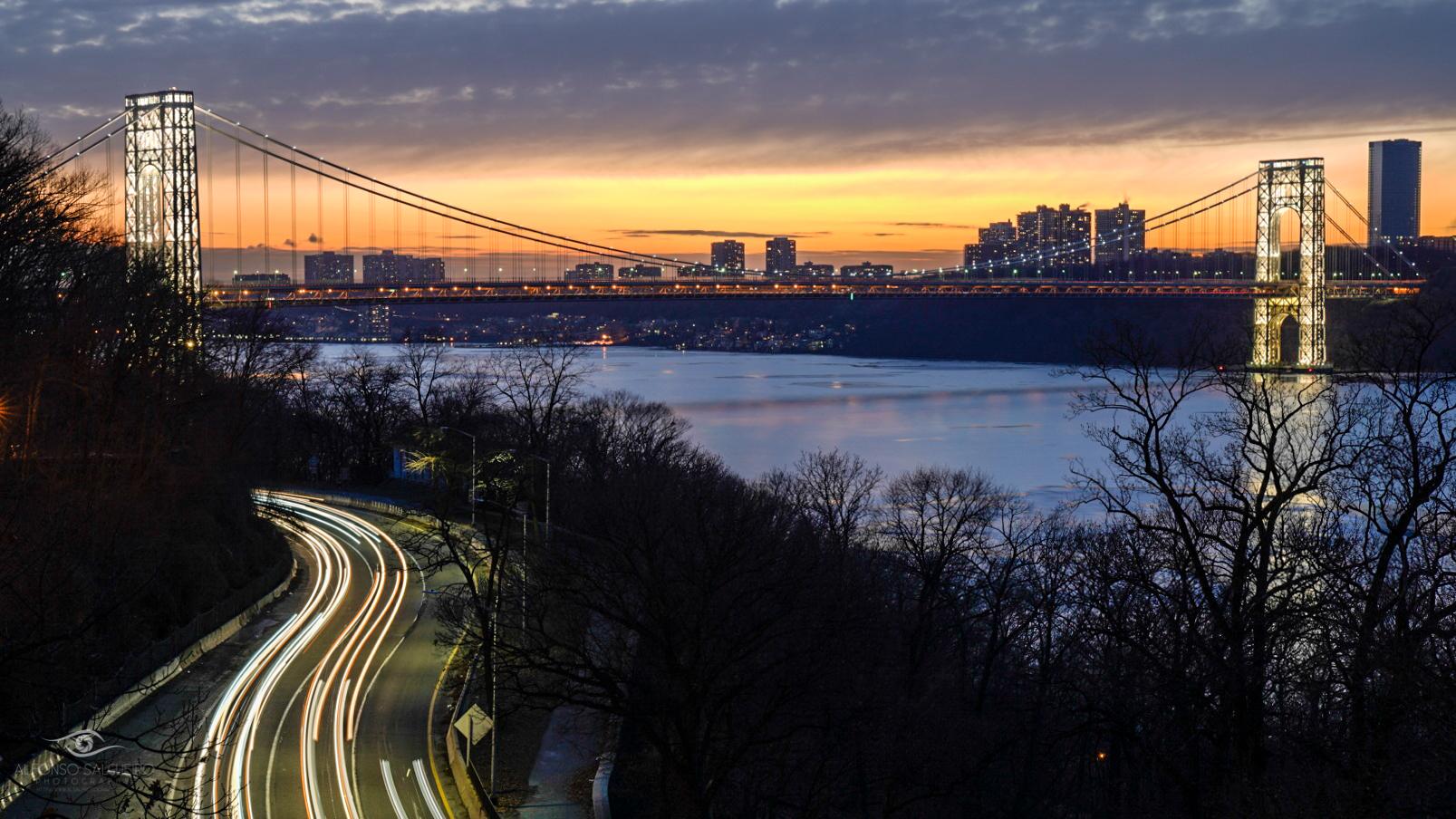 George Washigton bridge at dusk.jpg