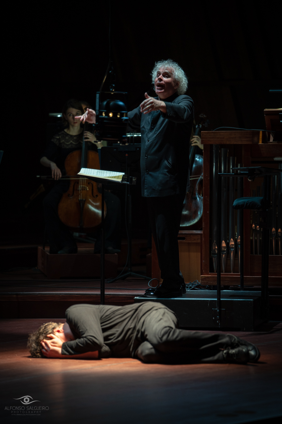 Sir Simon Rattle & Peter Sellars – Johannespassion-4.jpg
