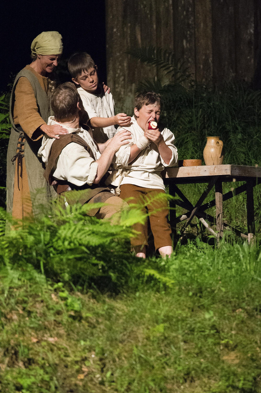 Familie Tell bei den Tellspiele in Interlaken waehrend der Premiere am 28. Juni 2015.