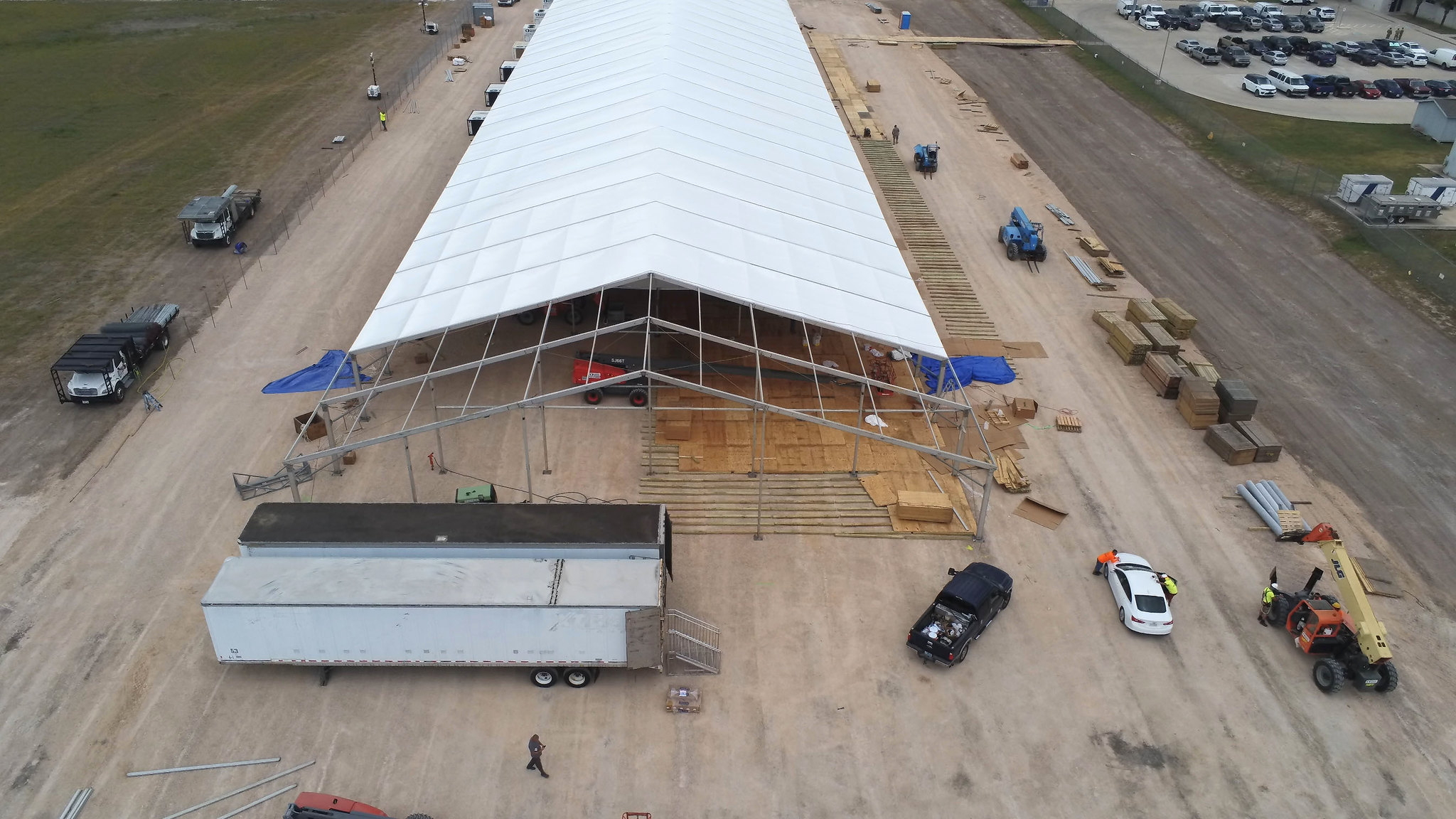 Donna TX Tents Border Patrol.jpg