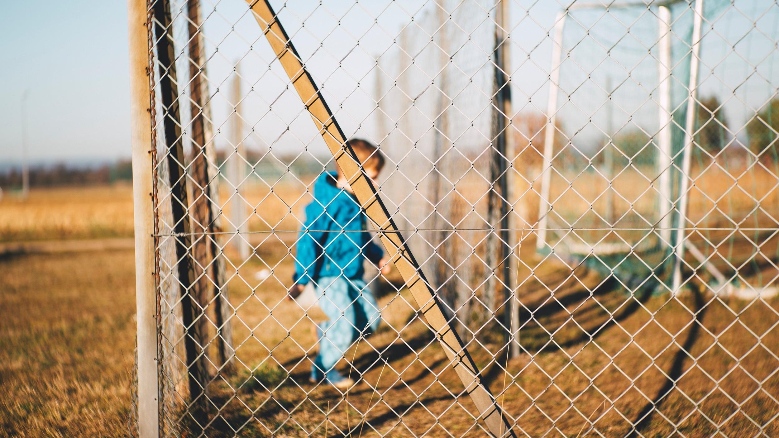 Fencing Markus Spiske Unsplash.jpg