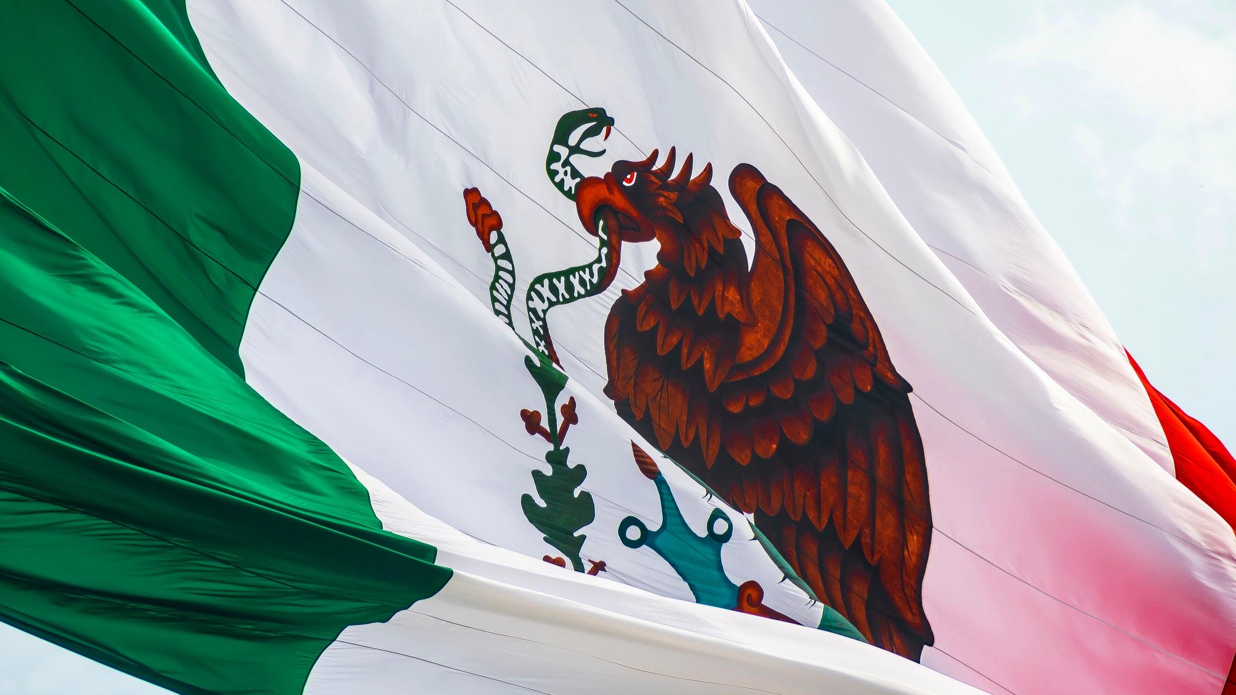 Mexican flag Jorge Aguilar Unsplash.jpg