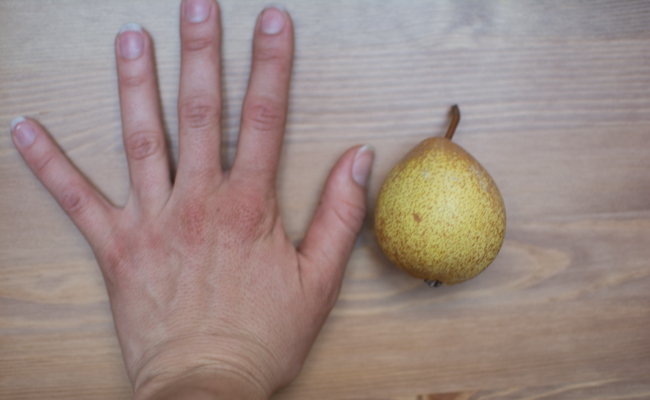 (Full disclosure: I have pretty large hands for a woman.)