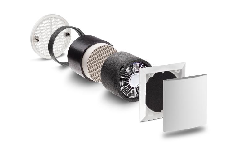 De enkelte delene av Lunos e2, ytterdeksel, kjeramisk element, motorenhet, filter og innvendig deksel.