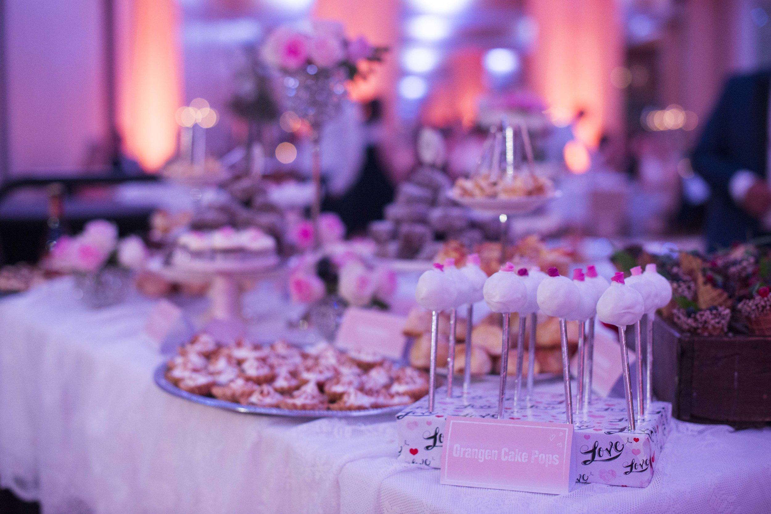 Röschen Cake Pops.jpg