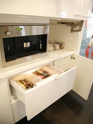 0407 Kitchen 4.jpg