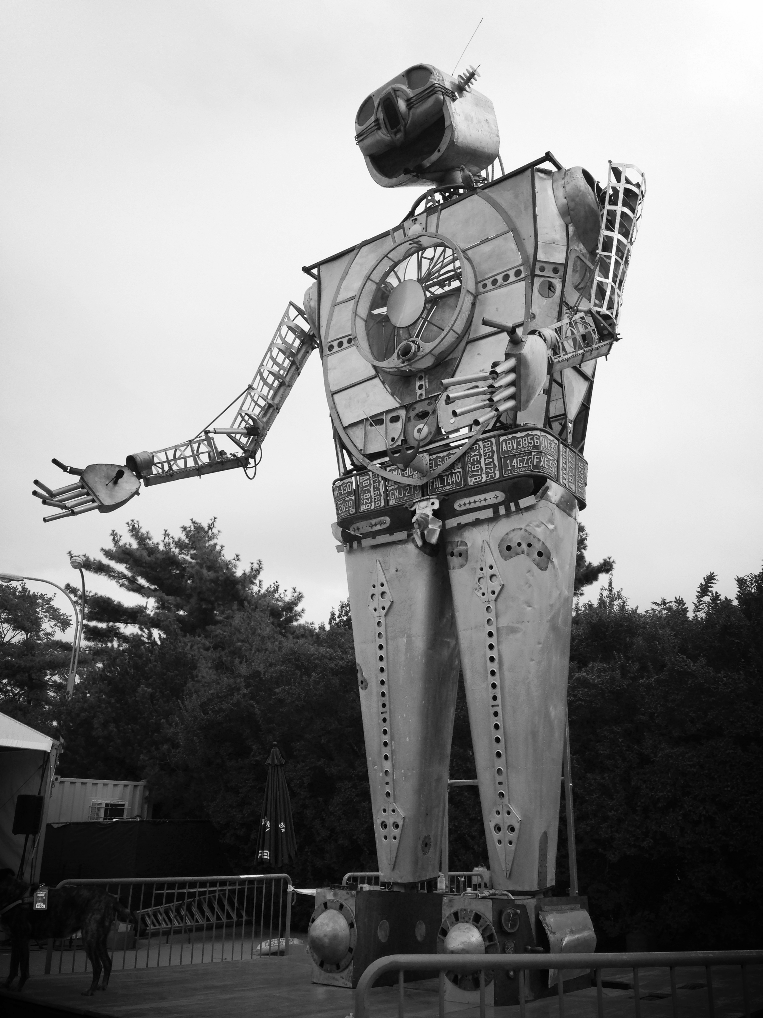 this awesome robot dude was at MakerFaire