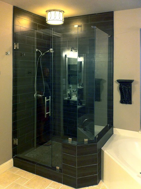 NA06_Neo_Angle_Glass_Shower_Doors_Enclosures_Dallas.jpg