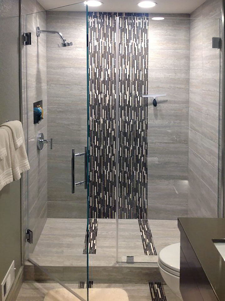 IN09_Frameless_Inline_Glass_Shower_Doors_Dallas.jpg