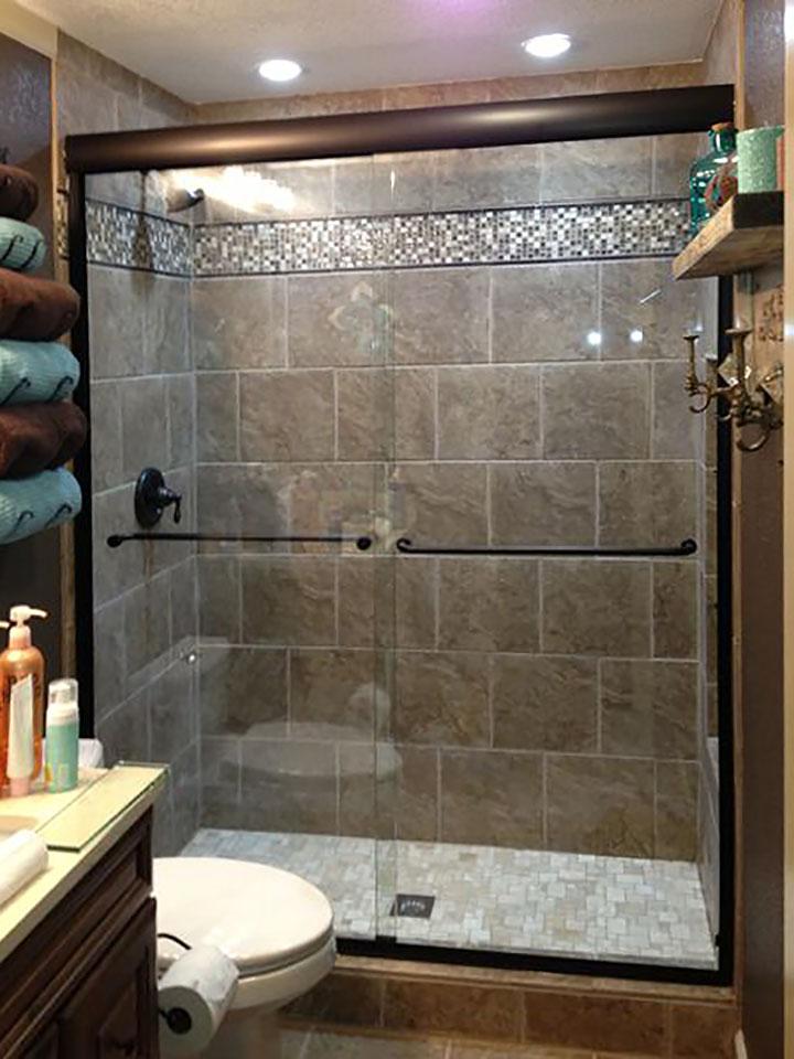 SL02_Bypass_Sliding_Glass_Shower_Doors_Dallas_Texas.jpg