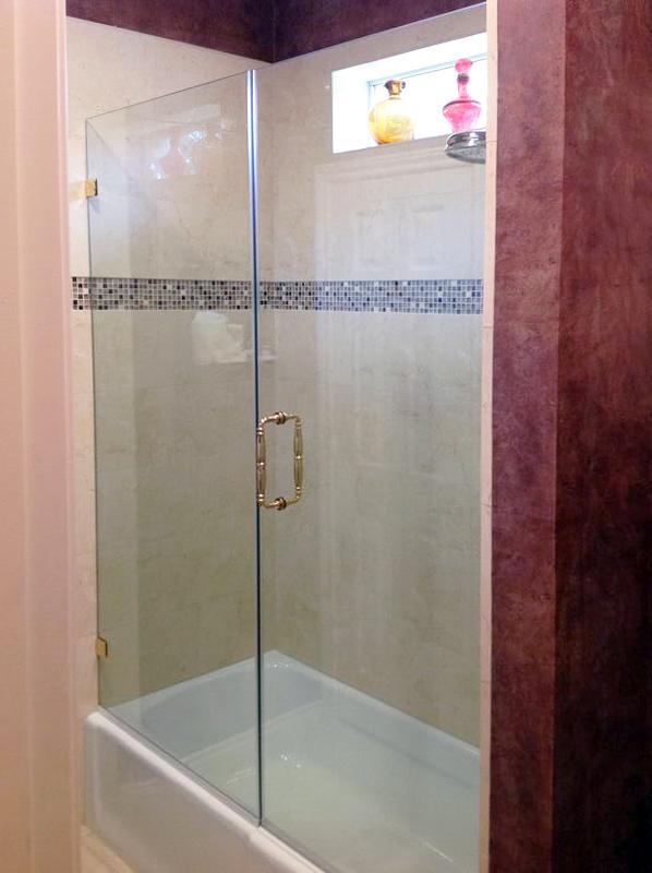 BT04_Bath_Tub_Glass_Enclosure_Frameless_Dallas.jpg