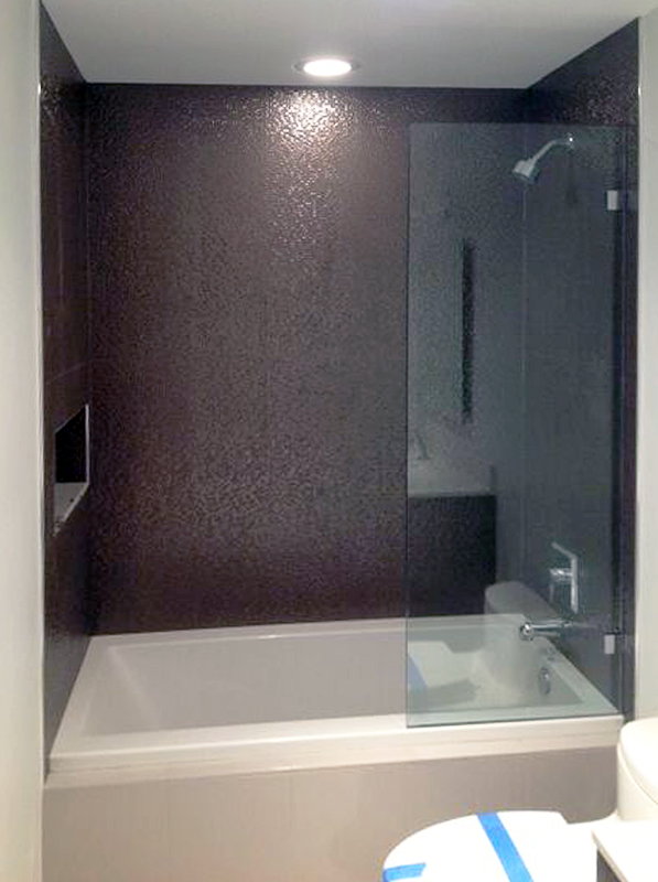 BT03_Bath_Tub_Glass_Splash_Panel_Dallas.jpg