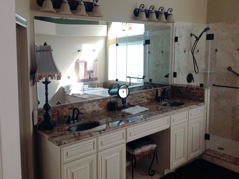 STM08_Glass_Bathroom_MIrrors_Custom_Dallas.jpg