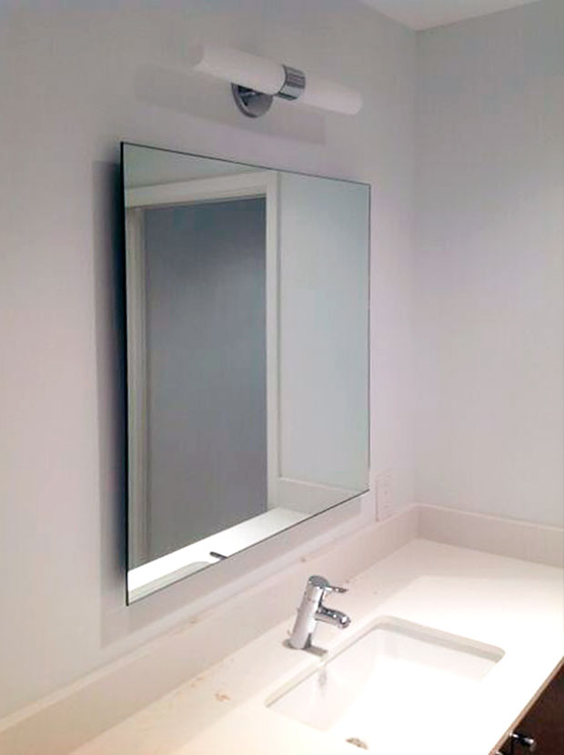 SOM06_Standoff_Bathroom_MIrrors_Custom_Floating_Dallas.jpg