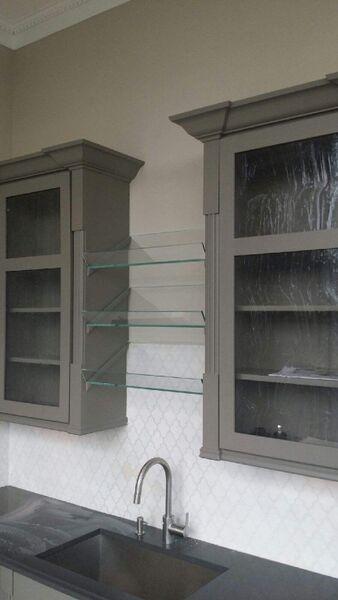 PG07_Pattern_Glass_Other_Custom_Glass_Shelves_Dallas.jpg