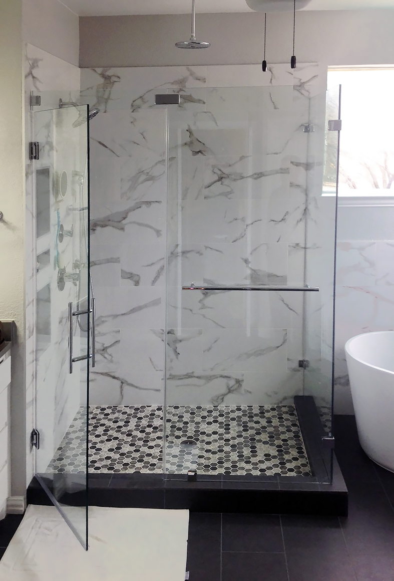 Shower Enclosure (90 Degree) with Ladder Pull Handle