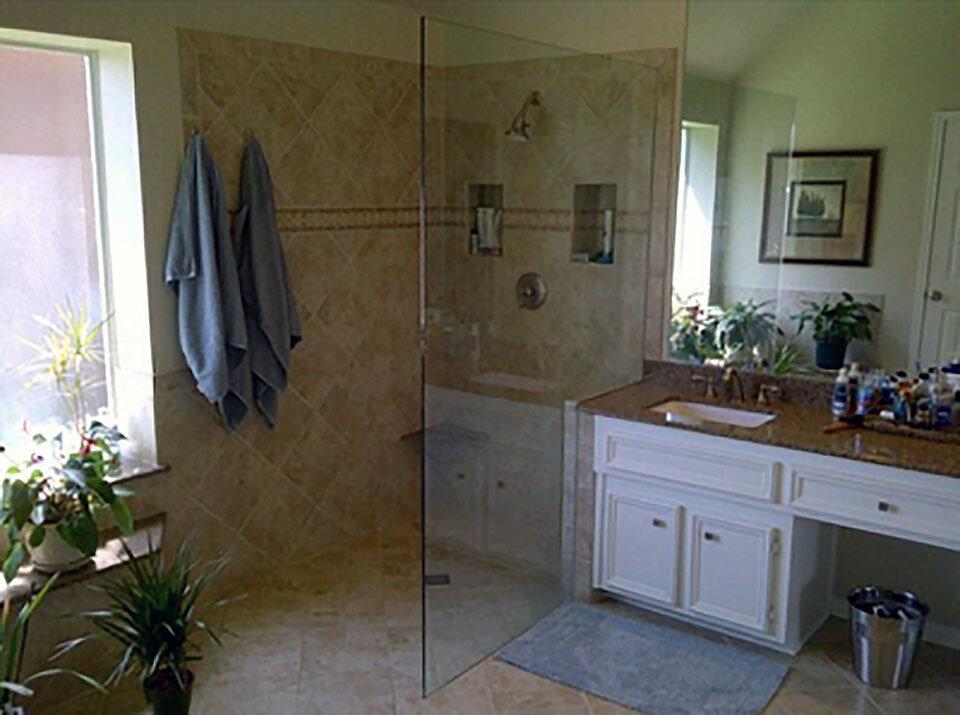frameless-shower-glass-panel-screen-dallas-06.jpg