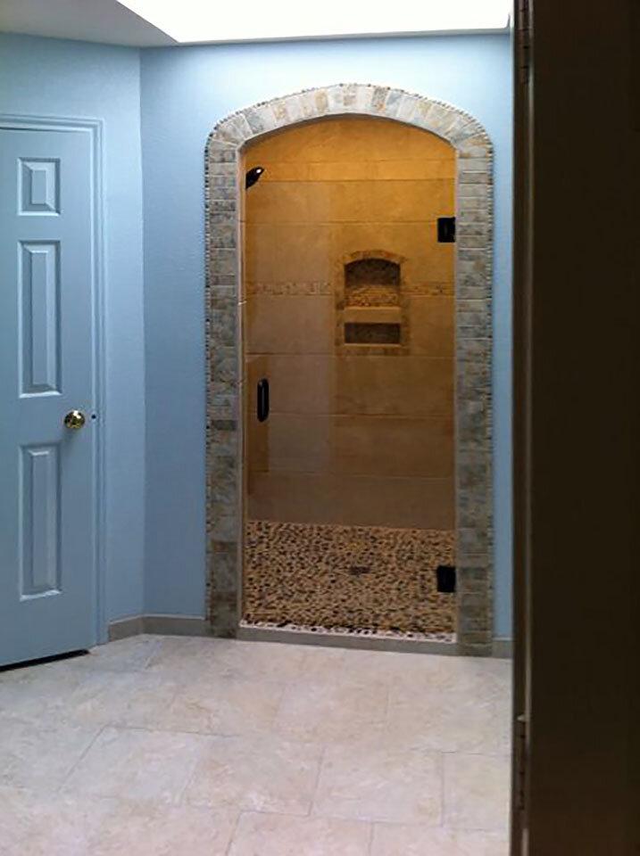 single-shower-door-frameless-glass-dallas-01.jpg