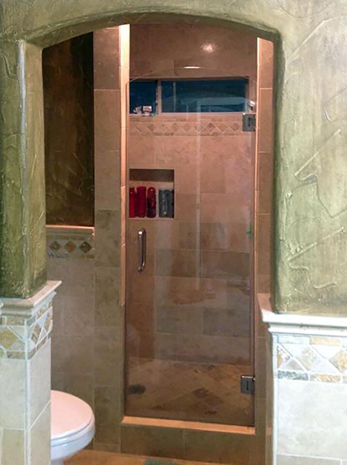 single-shower-door-frameless-glass-dallas-03-curved.jpg