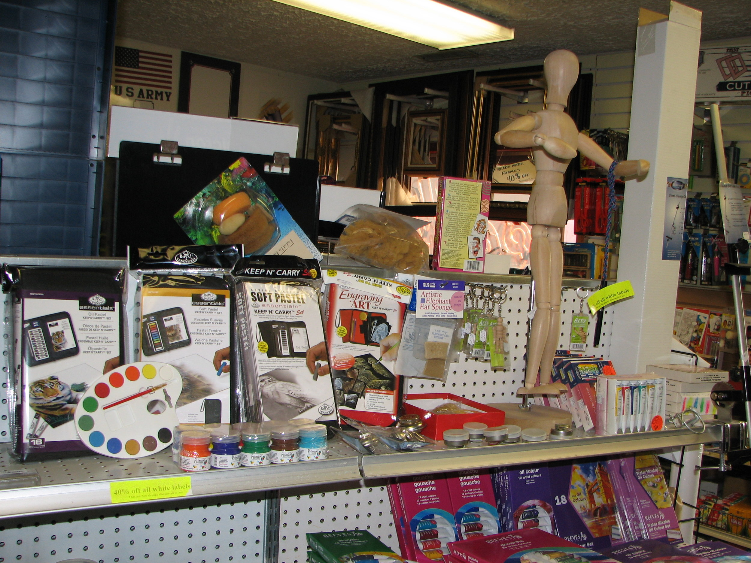 Paint, drawing kits, People Manikins,Dog Manikins,Cat Manikins