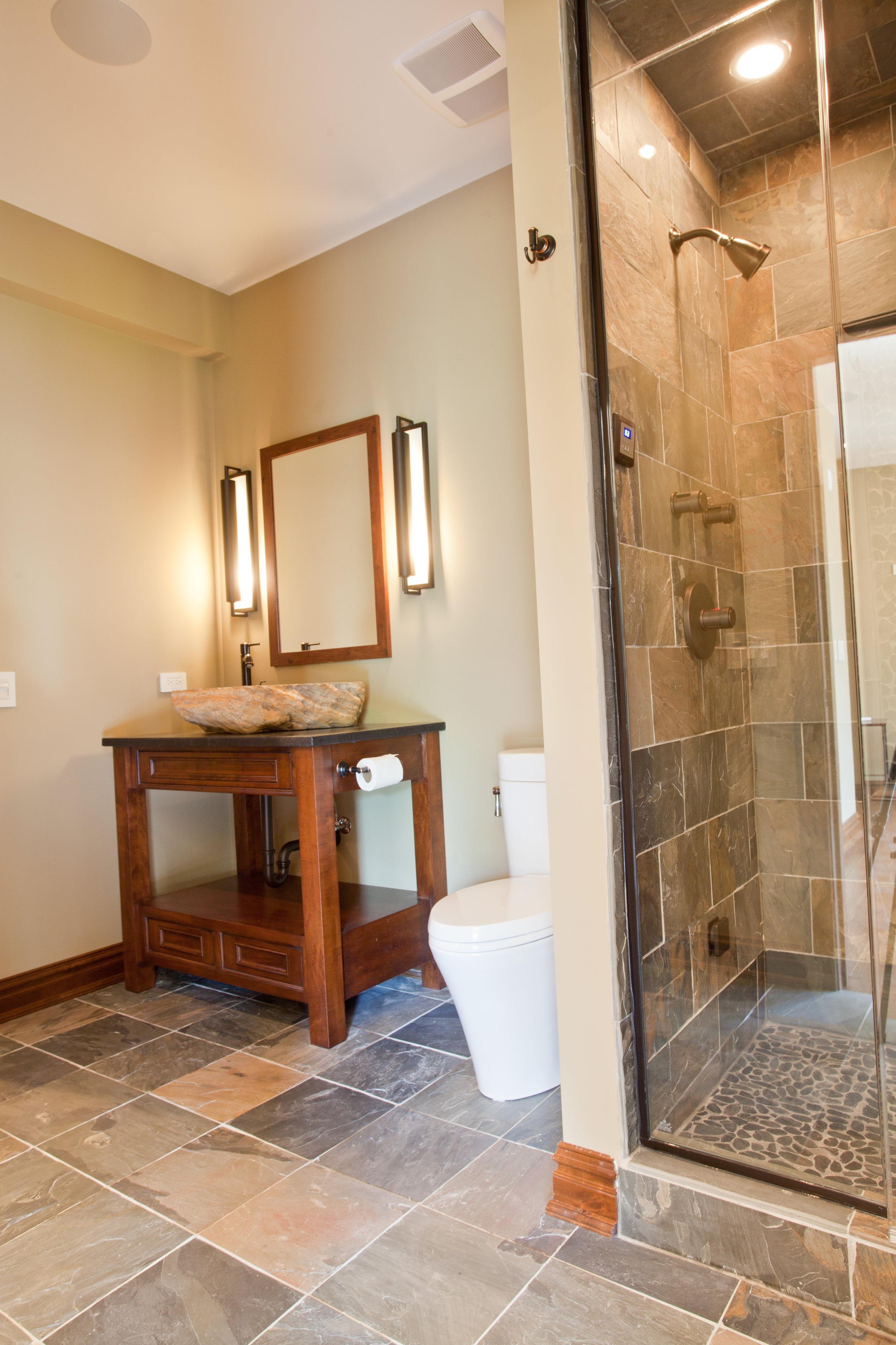 Hill-Bathroom (3).JPG
