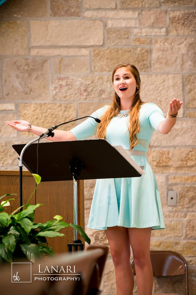 Ana Bakken Singing a Wedding Mass
