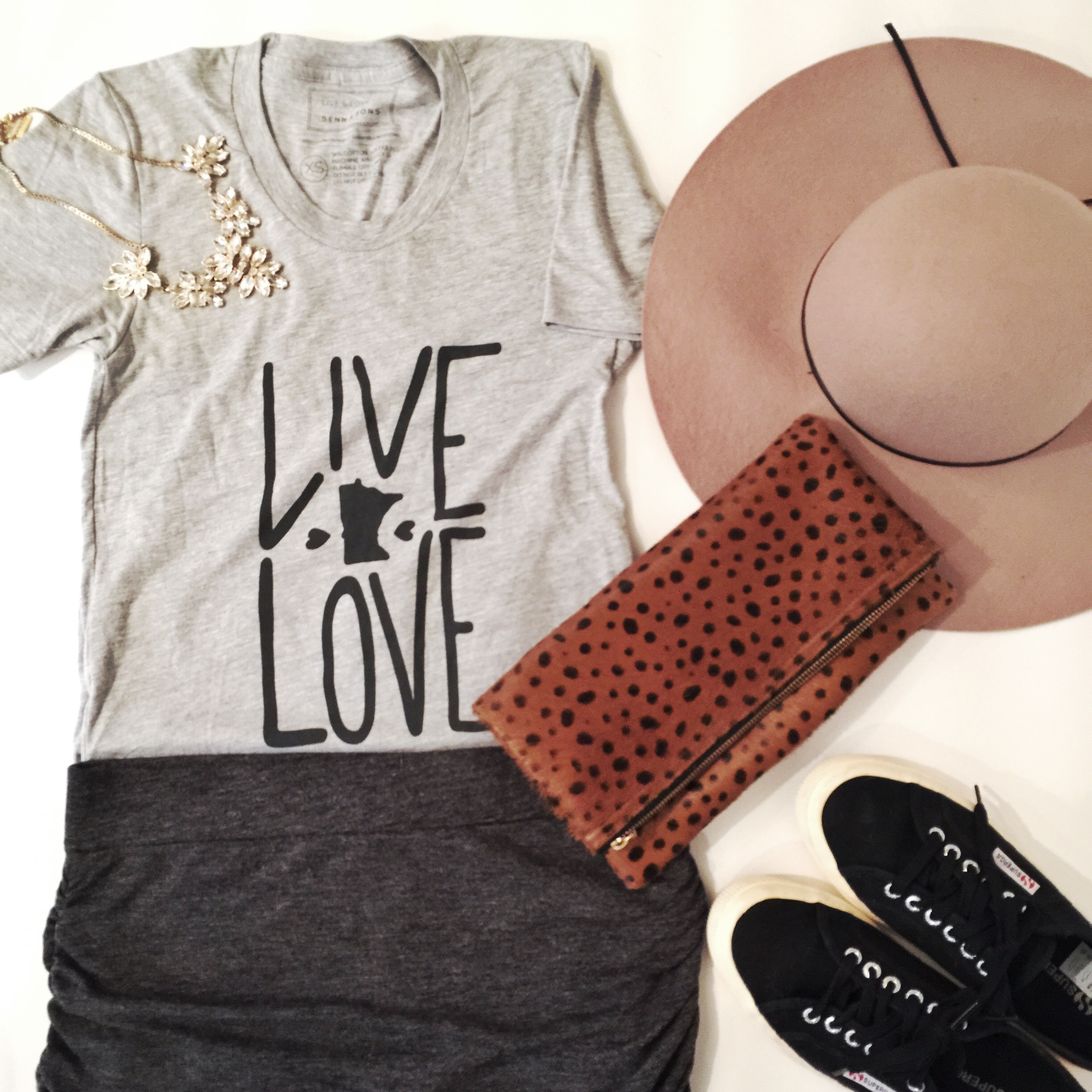 Styled Live & Love Mn graphic tee