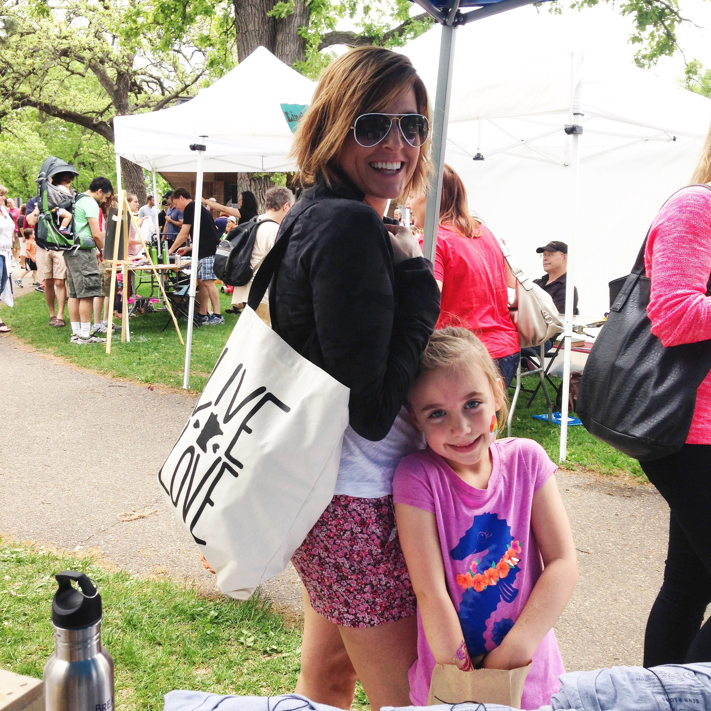 This fabulous Gal took her tote and put it inside out tote!! Love it:)