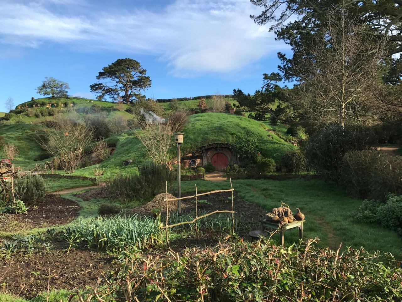 Hobbiton Garden and hills.jpg