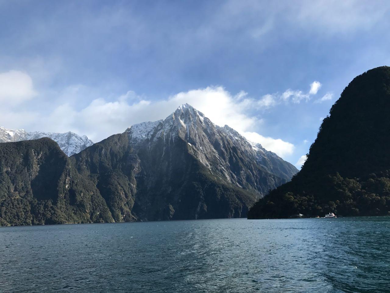 Milford Sound Peaks.jpg