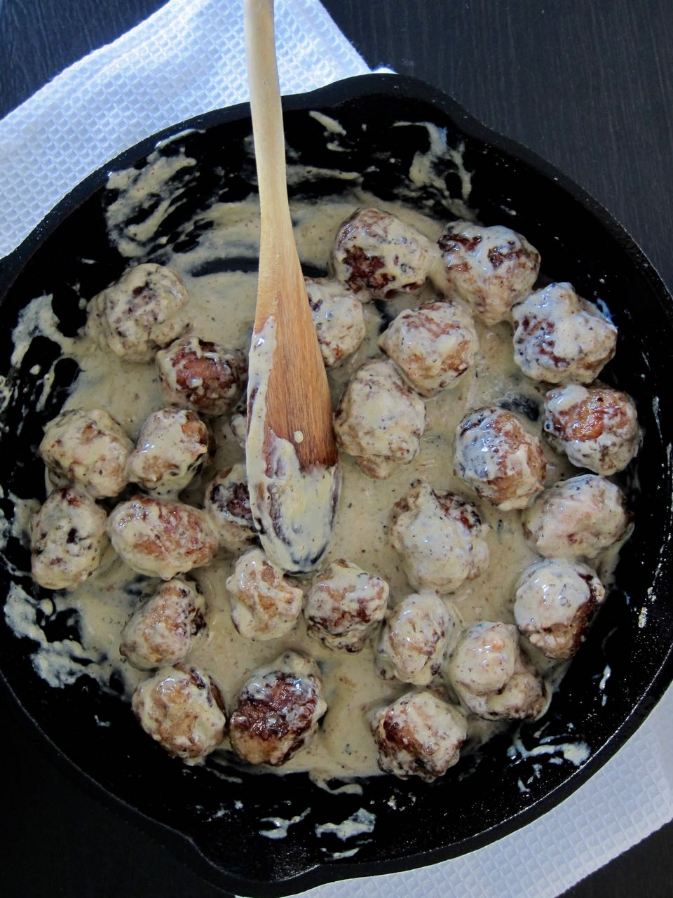 swedish meatballs in cream sauce